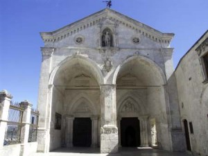 santuario-san-michele-arcangelo-monte-santangelo-puglia